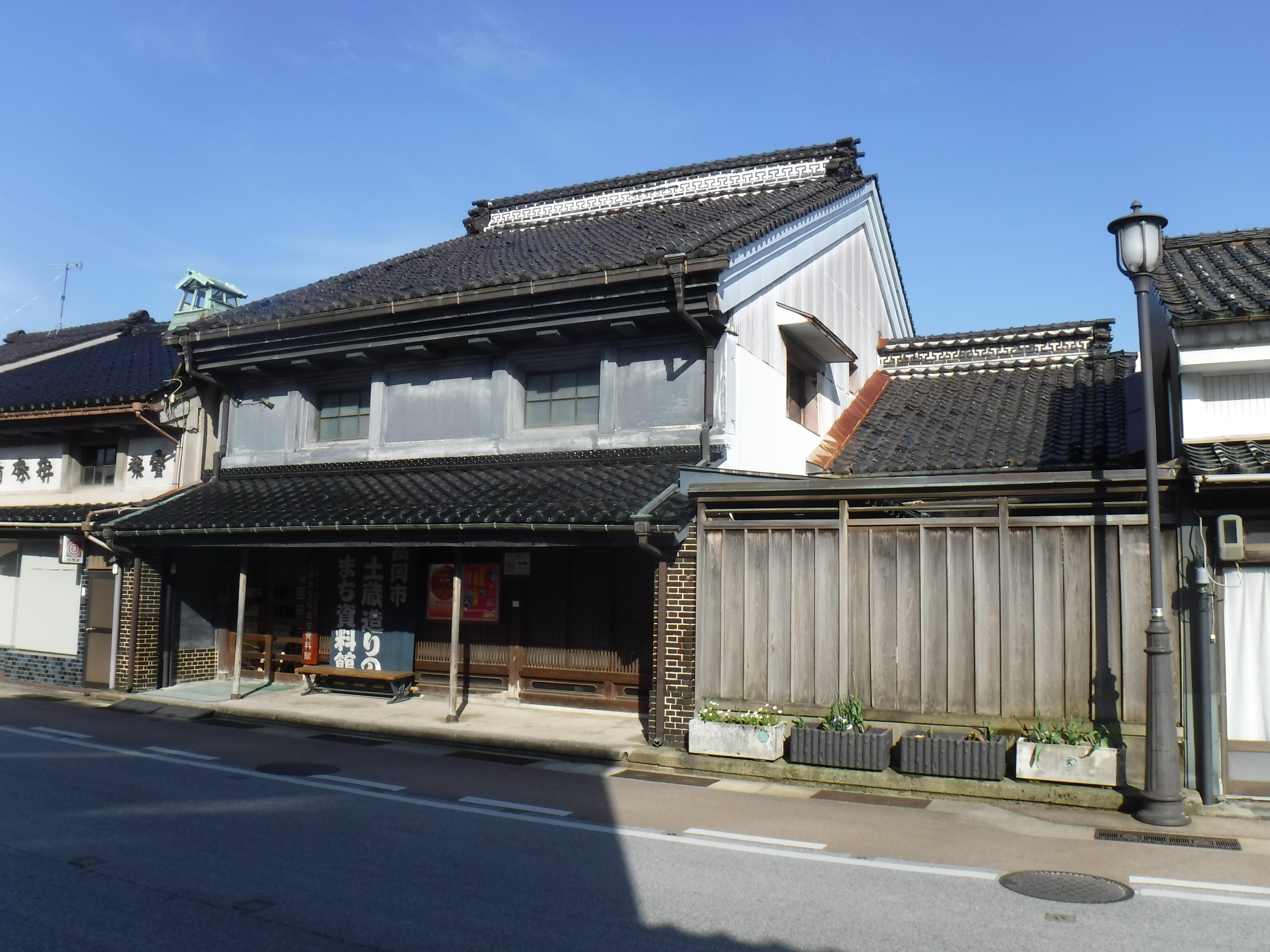 高岡市土蔵造りのまち資料館(旧室崎家住宅)